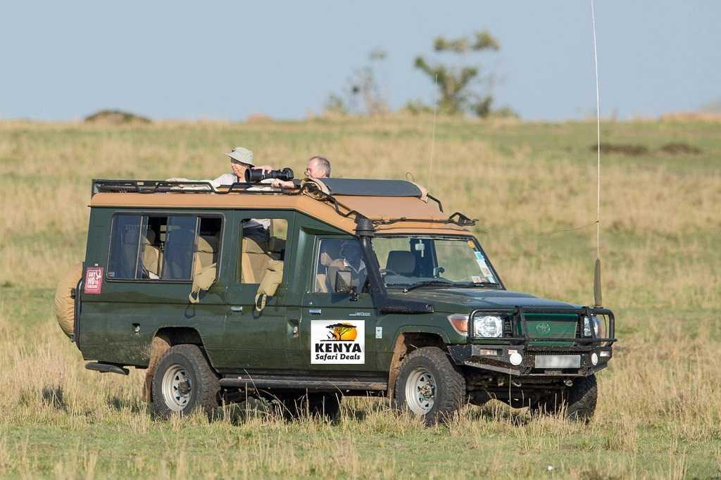 kenya tanzania safari jeep